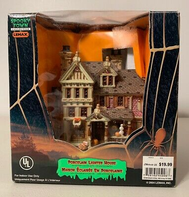 "Lemax Spooky Town Halloween ""Trick or Treater's  Haven"" House NEW"
