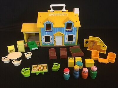 Vintage Fisher Price Little People Yellow House #952 w/ Family Staircase Toilet
