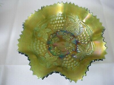 Antique Carnival Glass Bowl Northwood Grape and Cable Green Pie Crust Edge 1920s