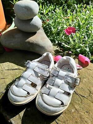 Girls Clarks Infant Sandals Size 6 1/2 F