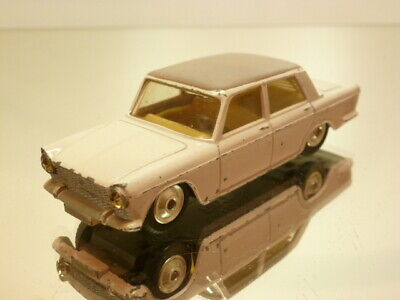 Corgi Toys 232 Fiat 2100 Sedan - Pink + Brown  1:43 - Good Condition