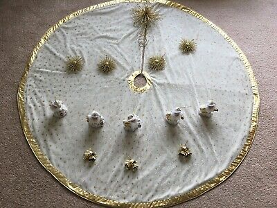 Luxury Velvet Christmas Tree Skirt With Matching Accessories