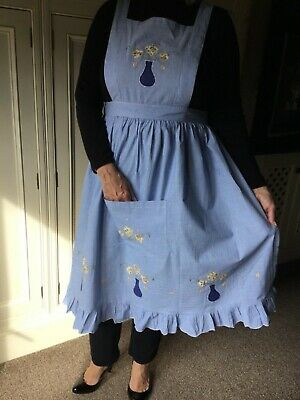 1960's/1970's vintage gingham hostess apron pinafore.