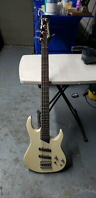 WASHBURN BASS GUITAR Mercury Series MB5 5 String Electric Bass Guitar