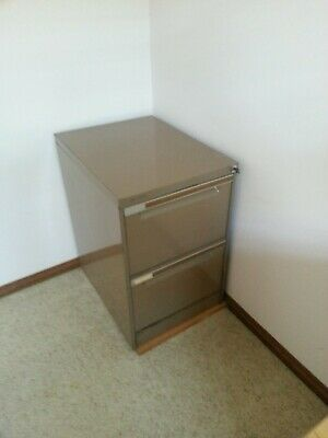 Filing cabinet grey 2 drawer  lockable   with key   pickup   Bexley  NSW 2207