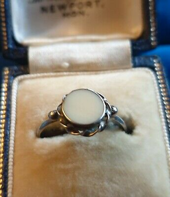 A Quality Antique Art Deco Sterling Silver 925 White Paste Ring