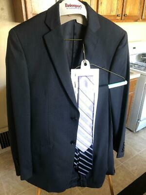 DKNY Mens Suit, Wool/Silk. 40R.  Free 2 dkny ties included