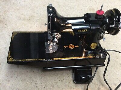 Singer Featherweight 221 Sewing Machine 1947 SN AH33921  buttonholer hemmer +