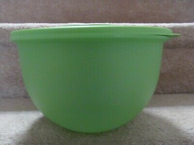 Tupperware Large Mixing Bowl Green 4.3L 18 Cups with Lid