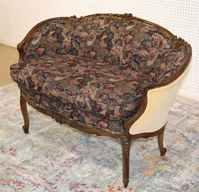 Superb Curved Carved Walnut French Louis XV Sette Canape Tapestry C1920s