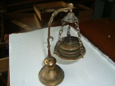 Tres Ancienne Lampe A Huile