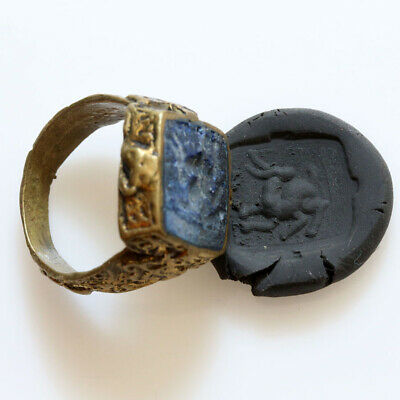 Circa 1600-1700 Ad Near East Bronze Polished Seal Ring With Intaglio Seal Stone