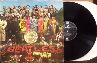 BEATLES Sgt Peppers Lonely Hearts Club Band NEAR MINT Vinyl LP 70s +INSERT