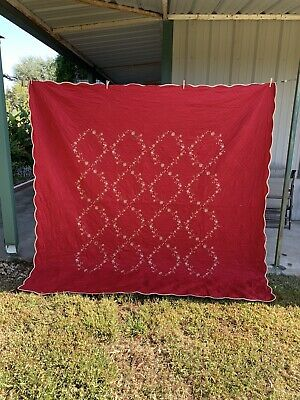 """Red Quilt with 2 pillow shams, Springfield Quilt, 90"""" x 90"""", Christmas quilt"""