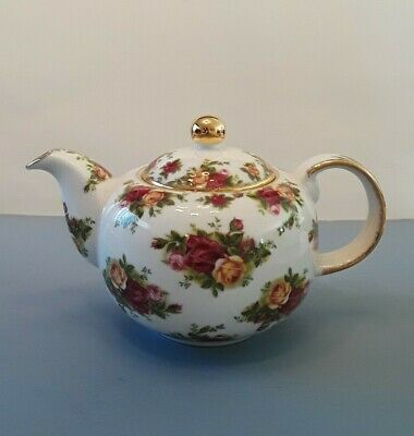 ROYAL ALBERT Old Country Roses TEAPOT 1998 Signed Michael Doulton