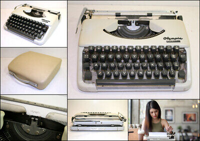 Vintage 1960's Olympia Splendid 33 Portable Typewriter with Carry Case