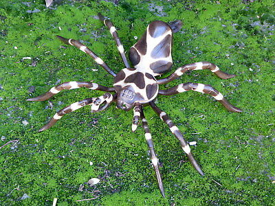 Wooden Spider Carving Wooden Hand Carved & Painted 33cm.....