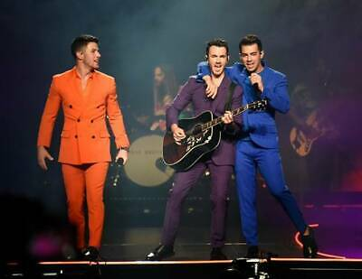 JONAS TICKETS UNDERCOST  Nov. 27,19  /  $25  PER TICKET   / MONTREAL