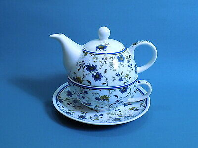 Victoria and Albert Museum Teapot for One