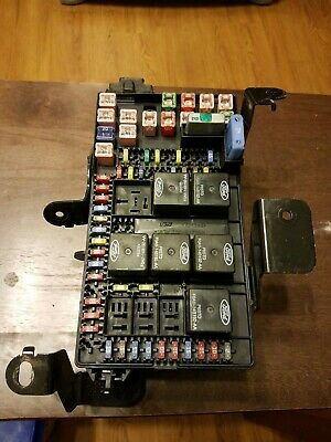 03-04 Ford F250 F350 Super Duty Fuse Junction Bcm Box Relay 3C3T-14A067-Bg Oem