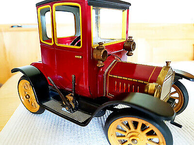 Schuco  Nr. 1227  Oldtimer Ford Coupe T 1917
