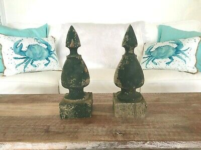 Pair Antique Green Wood Finials Shabby Vtg Old Chic Gingerbread Garden 344-19J
