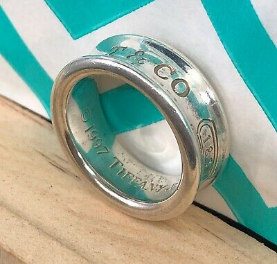 TC047 1997 Tiffany & Co. 1837 Concave 925 Sterling Silver Band Ring Size 4.5