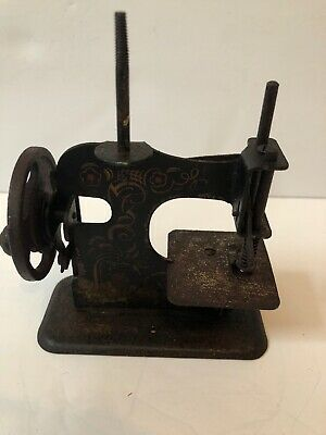 ANTIQUE GERMAN PRE-WWII CAST CHILDs TOY SEWING MACHINE Floral motif