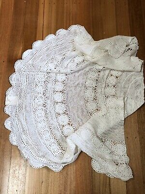 BEAUTIFUL ROUND  VINTAGE CROCHET LACE TABLECLOTH CLOTH ~As New .. Never Used!