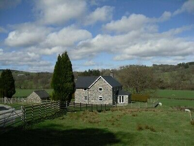 Holiday cottage by Bala Lake, Snowdonia Wales, sleeps 5 available Easter/Summer