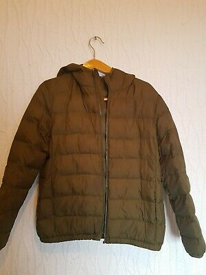 Uniqlo jacket size 11-12 years old military green colour broken zip