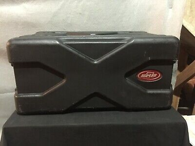 SKB Hardshell Rack Mount Case 14x9.5x20.5""