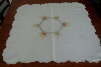 Vintage Hand Embroidered Supper Cloth ~ Cream Linen ~ Scalloped Lace Edge