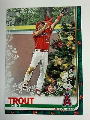2019 Topps Holiday Box Walmart Mike Trout Angels #HW31 SP Variation XMAS Tree