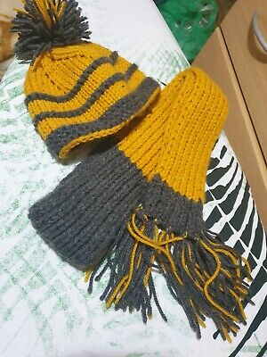 Boys hat and scarf set