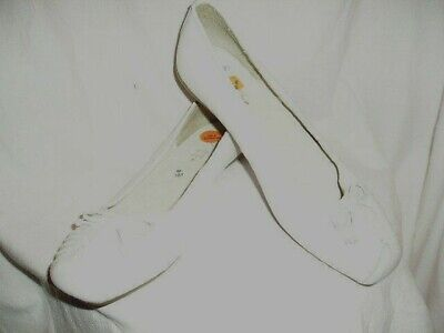 Ladies White Leather Slip On Shoes Size 5