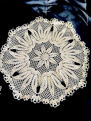 White Hand Crochet Table Cloth/Topper Round Tablecloth Vintage Lace