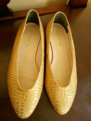 Vintage Gold Designer Shoes Made In Italy By Lav Artigiana