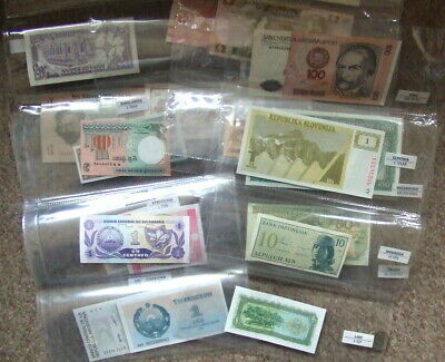 World Banknote Collection - 26 in folders & Uncirculated.........N61