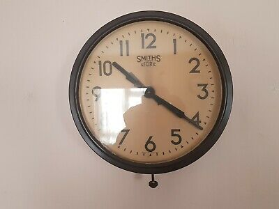 "Vintage Bakelite Smith Sectric Electric Wall Clock 14.5"" Untested."