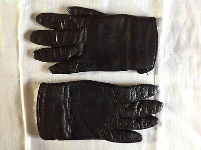 Vintage Ladies/Girls Small Black Leather Gloves With Faux Fur Lining.