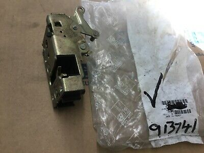 GENUINE PEUGEOT 205 309  REAR Left DOOR LATCH CATCH 913741 NEW