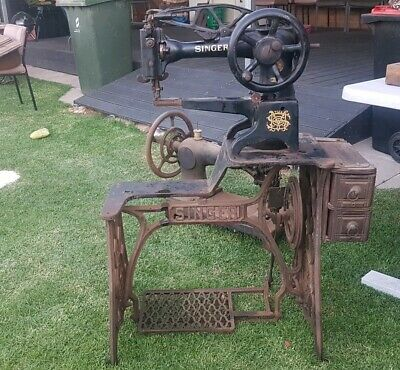 Antique Singer sewing machine - 1937 industrial model 29k58 with stand