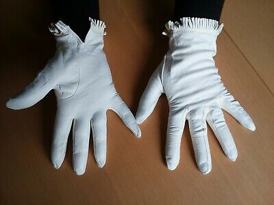 Vintage white leather gloves 2 pairs