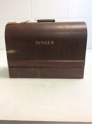N946 Singer Hand Crank 99K Excellent Condition Sews Denim Working Order