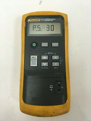 Fluke 714 Thermocouple Calibrator & Case