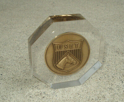 Vtg USET United States Equestrian Team Gold Medal Club Paperweight LUCITE Token