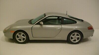 NWB Limited 1:18 Scale Silver Porsche 911 Carrera Coupe Die-cast By SunStar