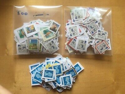 500 UNFRANKED 2nd class Stamps on paper, (400 XMAS and 100 Blue) FV £305