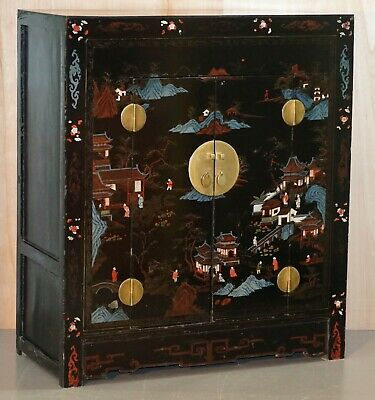 Lovely Shanghai China 1920'S Coromandel Polychrome Painted And Lacquered Cabinet